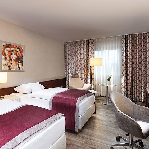 Classic room without carpet | Maritim Hotel Bonn