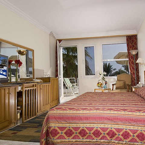 Luxuriously appointed exclusive suite | Maritim Hotel Sharm El Sheikh